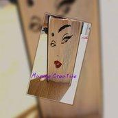 Libro scultura volto donna