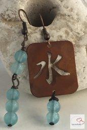 Orecchini in rame ideogramma 5 elementi Acqua e pietre di Giada azzurra