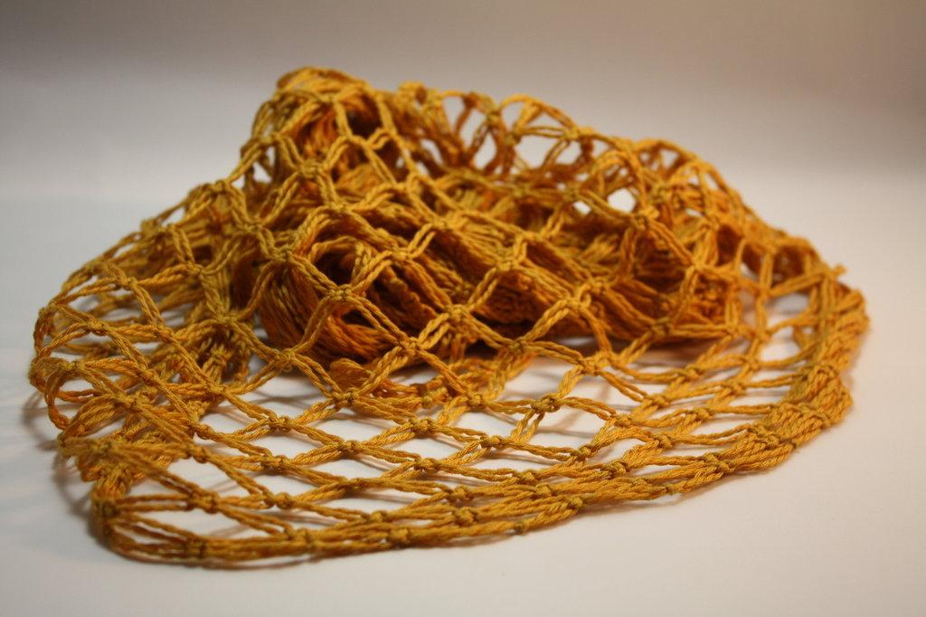 Sciarpa a macrame in cotone giallo