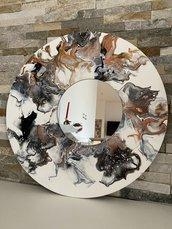 Specchio di legno da parete decorato con la tecnica fluid