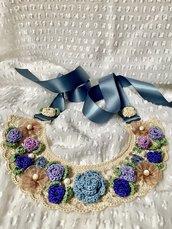 Collana/colletto con fiori e perle