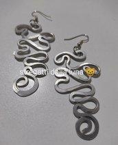 Orecchini  in wire colore argento lunghi