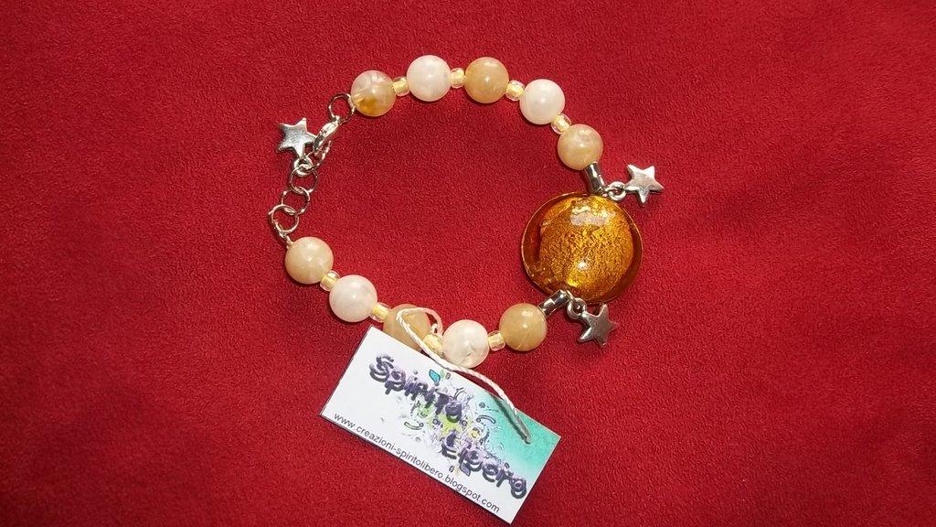 Bracciale con perla di vetro ambrata