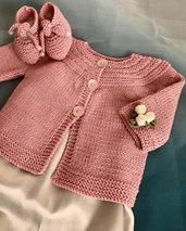 Completo a ferri per neonata