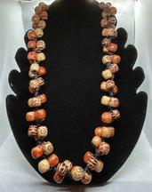 Collana Vintage con perle in legno stampato
