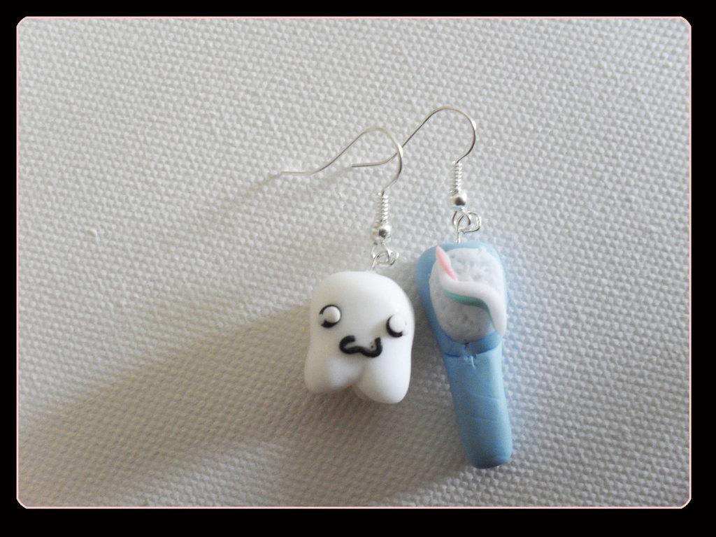 orecchini dente+spazzolino