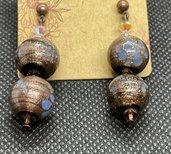 Orecchìni con perle in vetro colore Bronzo e inserti striati colore Turchese