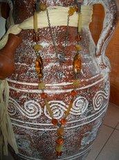collana color ambra con pendente
