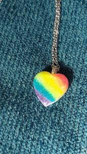 Collana con ciondolo rainbow