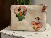 Pochette portatrucchi portaoggetti «Amour» in cotone stampato e scamosciato rosso San Valentino