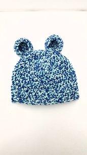 Cappellino neonato all'uncinetto