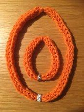 Bracciale e collana in lana