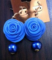 orecchini realizzati a mano