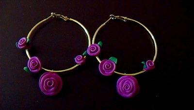 orecchini cerchio con roselline