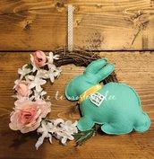 Ghirlanda fuoriporta pasquale con coniglio