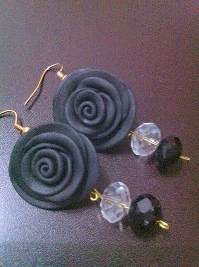orecchini rose nere