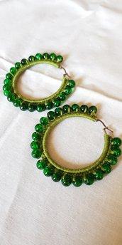 Orecchini a cerchio verdi