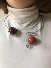 Collana donna rigida, collana scultura, sculptural jewel, choker alluminio, perle Rosso . Regalo per lei, pezzo unico