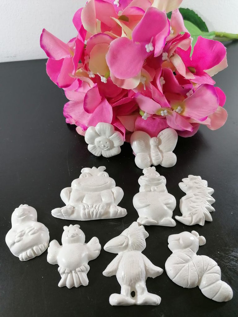 Farfalla, fiore, serpente, rana, riccio, uccellino, paperino in gesso ceramico profumato per fai da te