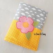 Astuccio porta colori e quadernino con fiore