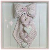 Fiocco nascita in piquet di cotone rosa e sangallo pois bianco con cinque cuori bianchi e rosa