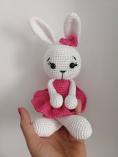 Bambola coniglio con vestitino