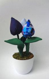 Fiori di tulipani imbottiti, blue e azzurri
