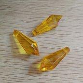 Perla pendente goccia a punta giallo ambra 35x12mm