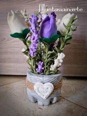 Fermaporta composizione con lavanda e tulipani in feltro