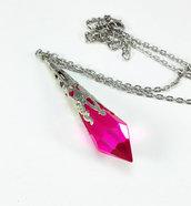 Collana pendente goccia a punta vetro rosa fucsia