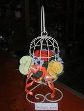Composizioni fiori realizzati all'uncinetto - Rose in gabbina shabby