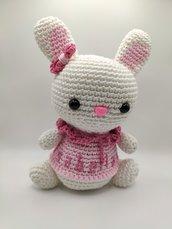 Coniglietta all'uncinetto amigurumi - personalizzabile con nome