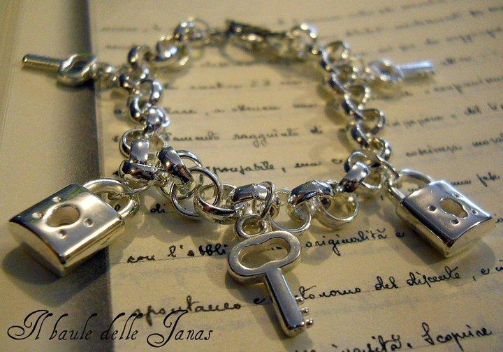 Bracciale chiavi e lucchetti