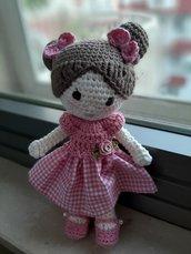 Dolly la bambolina in rosa