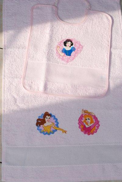 Set 2 pz Nido Materna - Le Principesse rosa - da ricamare