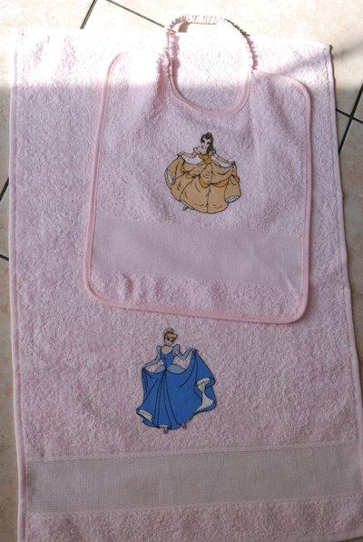 Set 2 pz Nido Materna - Le Principesse rosa1 - da ricamare