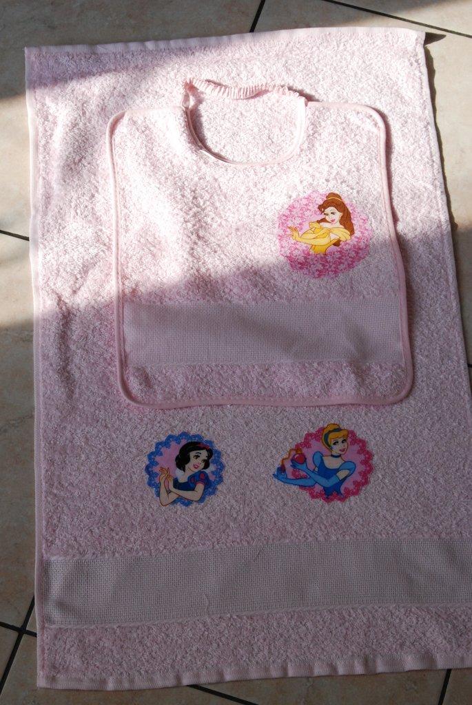 Set 2 pz Nido Materna - Le Principesse rosa2 - da ricamare