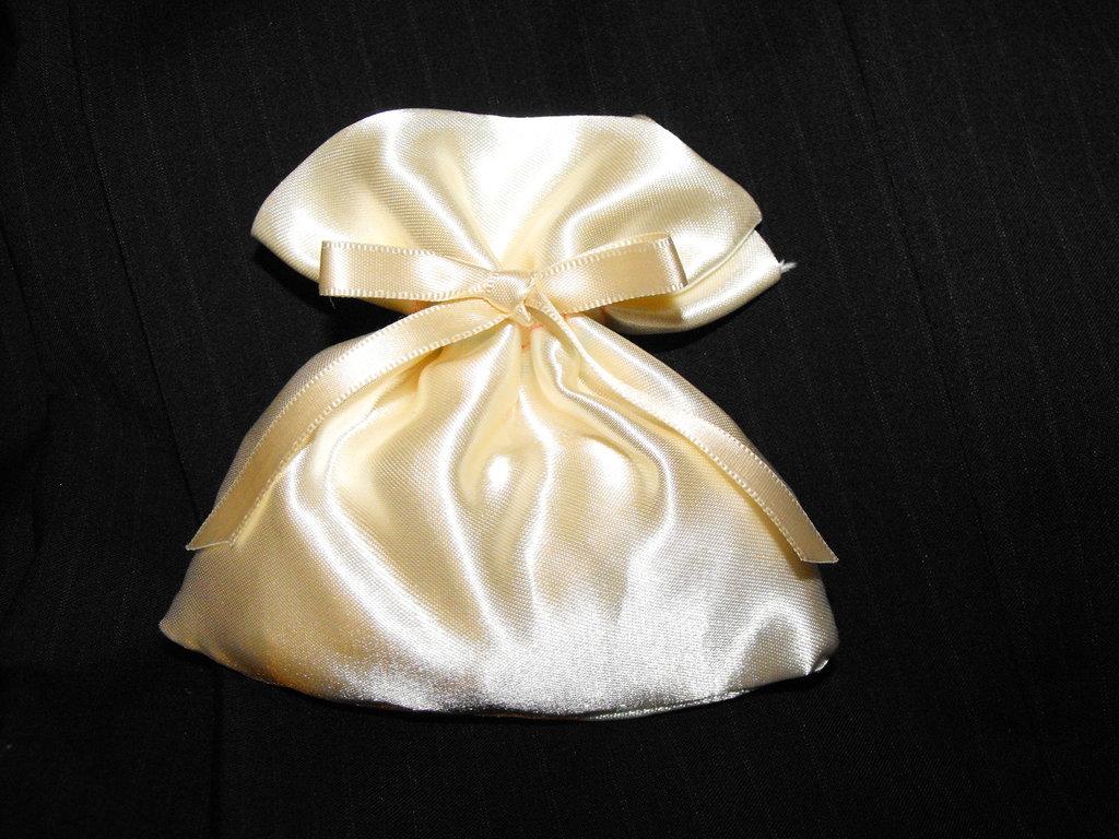 sacchetto portaconfetti bomboniere