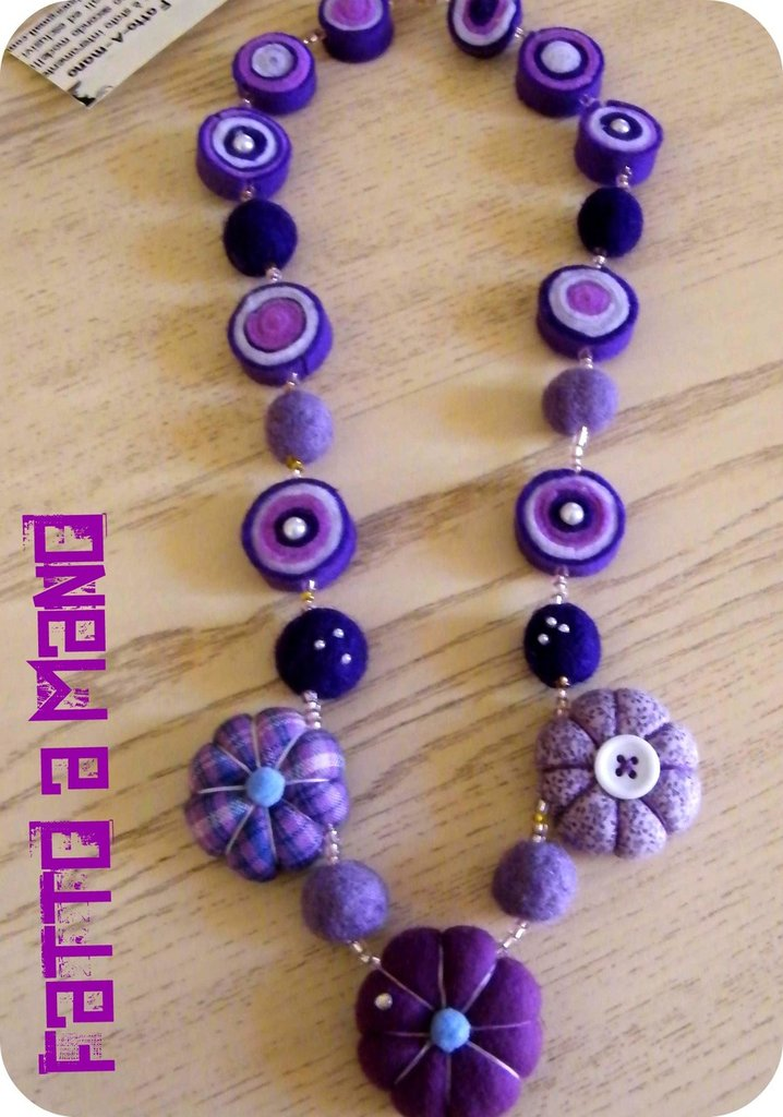 "Collana in Stoffa e lana cardata""Violette""Purple flowers!"""