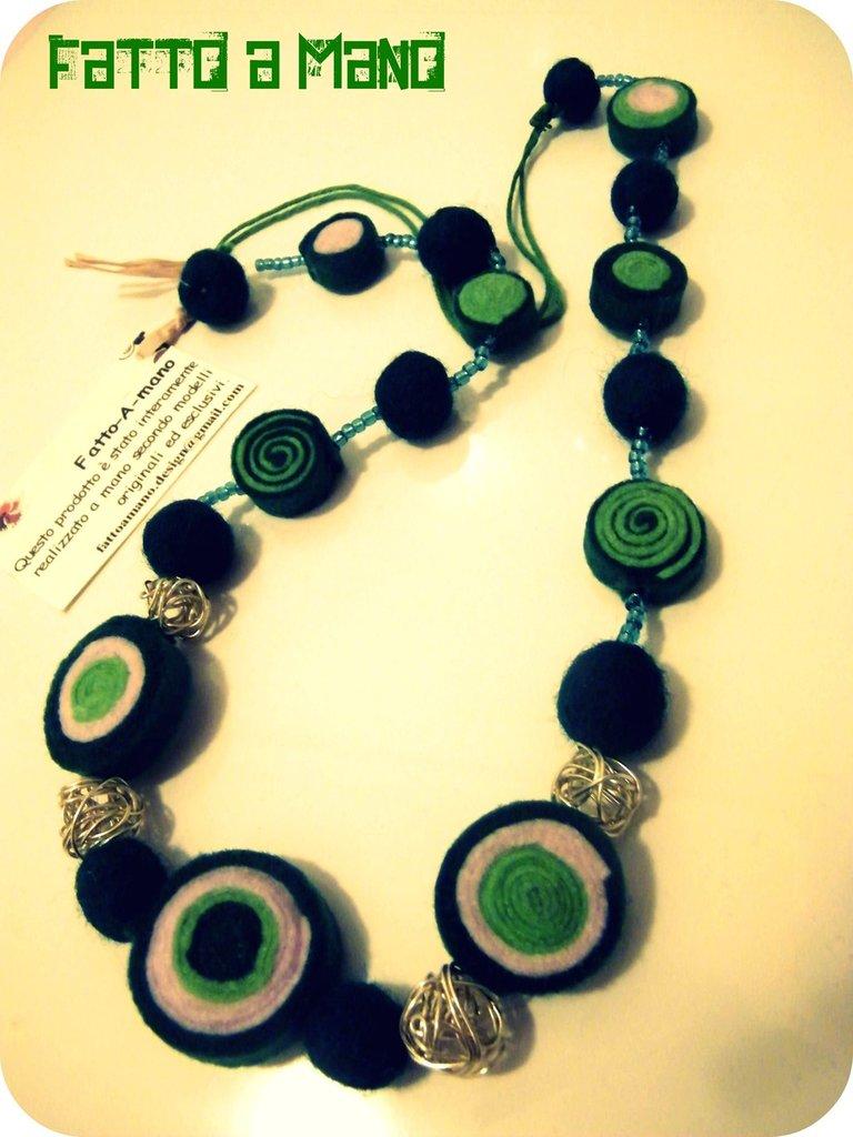 Amato Collana in stoffa e perle di lana cardata !Green Circle  FP68