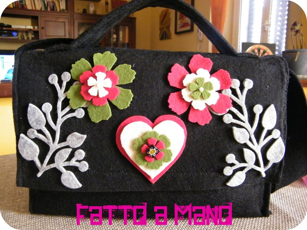 "Borsa in feltro ""Flower Power"""