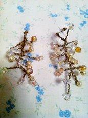 orecchini color oro,perle e swarovsky