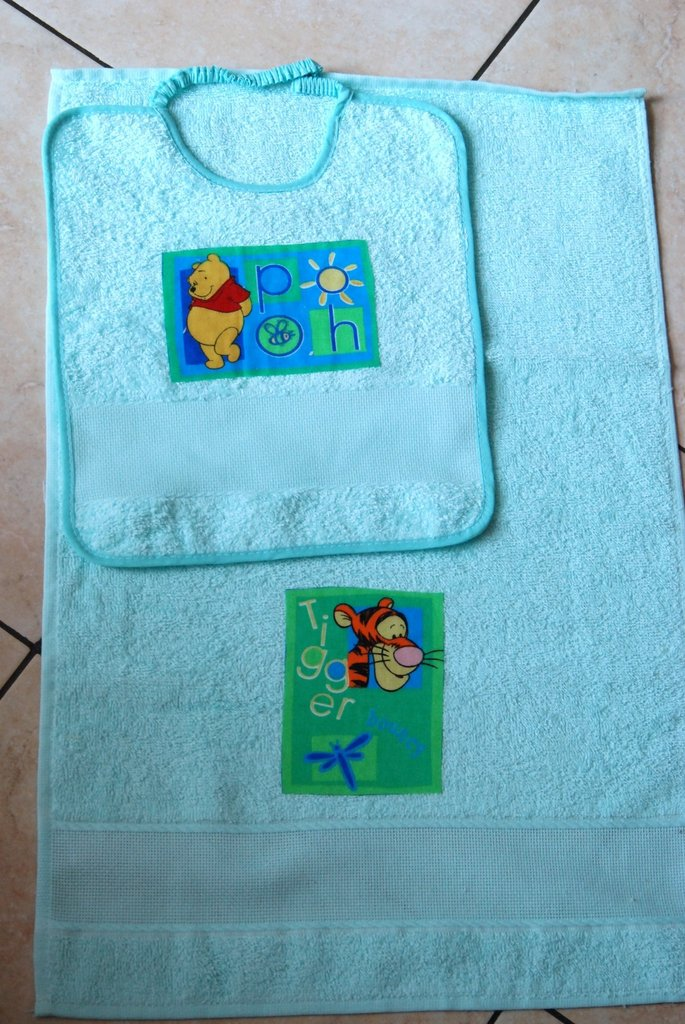 Set 2 pz Nido Materna - Winnie Pooh verde acqua- da ricamare
