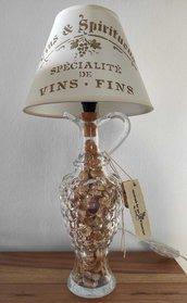 wine lamp,abatjour,lampada da tavolo,lampada personalizzata,artigianale design,ufficio,locali, lampada bottiglia,handmade,festa della mamma