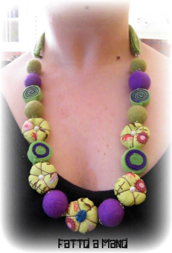 """abbastanza Collana in stoffa e perle di lana cardata """"Green Fantasy  HV39"""