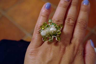 Anello pietra;perle verdi e swarovsky