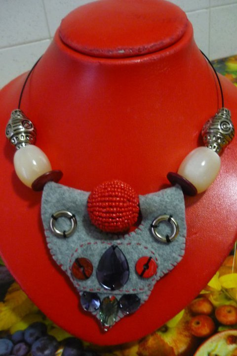 Collana Perlona Reloaded perle e pannolenci