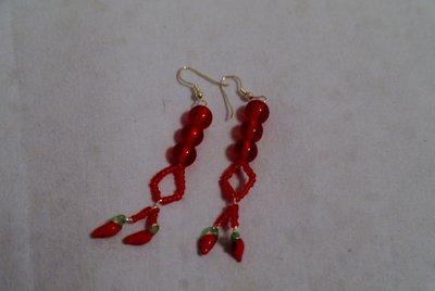 orecchini rossi con peperoncini