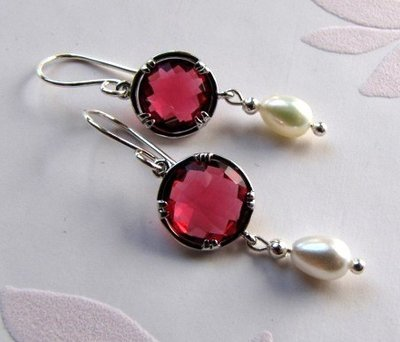 orecchini argento con cristallo rosso rubino-gioielli fatti a mano