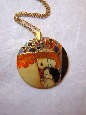 Klimt pendente dipinto a mano su madreperla- gioieli fatti a mano